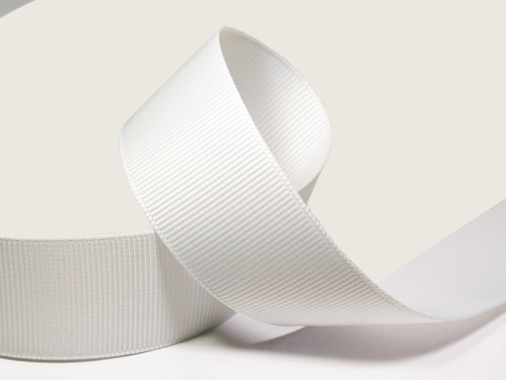 Ярлык для одежды из репсовой ленты